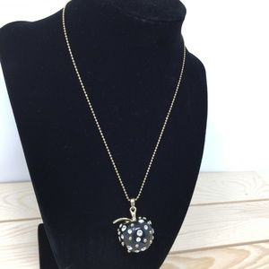🔥3 for 20🔥 Very cute black Apple necklace.